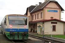 Motorová jednotka Železnice Desná na nádraží v Petrově nad Desnou