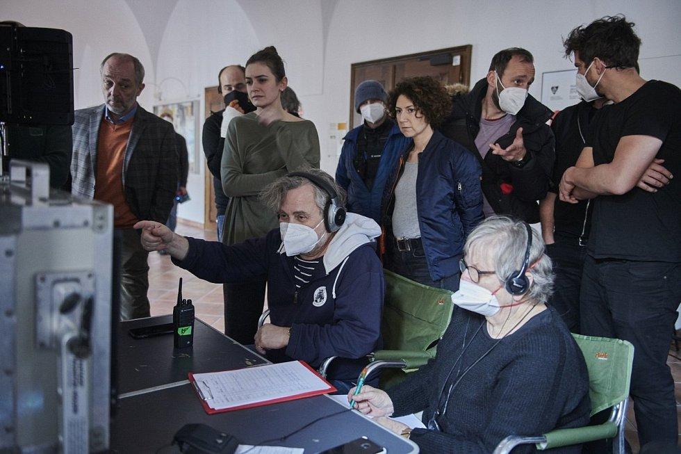 Natáčení série Pozadí událostí v univerzitním Konviktu v Olomouci