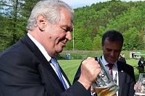 Prezident Miloš Zeman v hanušovickém pivovaru