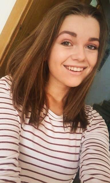 32.Adéla Kováříková, 16 let, studentka, Napajedla