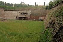 Oprava hradeb Korunní pevnůstky