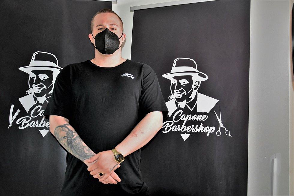 Majitel olomouckého barbershopu Capone Ferdinand Jarečný, 3. 5. 2021