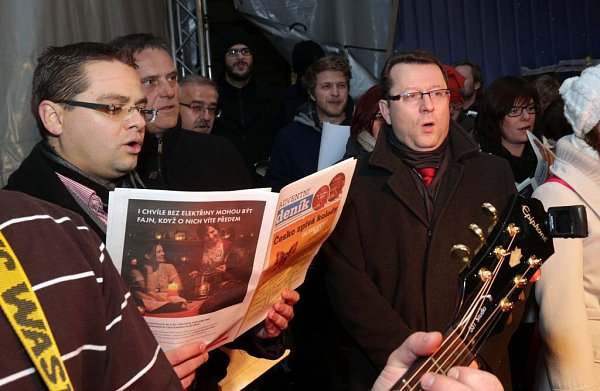 Olomouc, Horní náměstí. Česko zpívá koledy 10.12.2014