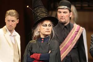 Pratchettova Maškaráda v Moravském divadle.