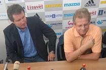 Jiří Kubíček (vlevo) a trenér Petržela.