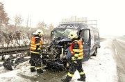 Nehody a komplikace na silnici R35 mezi Olomoucí a Lipníkem