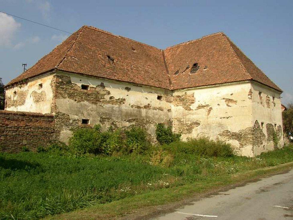 Původní stav barokní sýpky v Ludéřově před zahájením rekonstrukce.