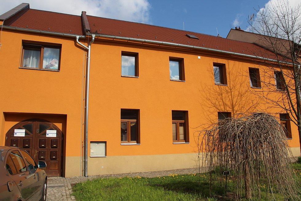 Komunitní centrum a byty v Ústíně