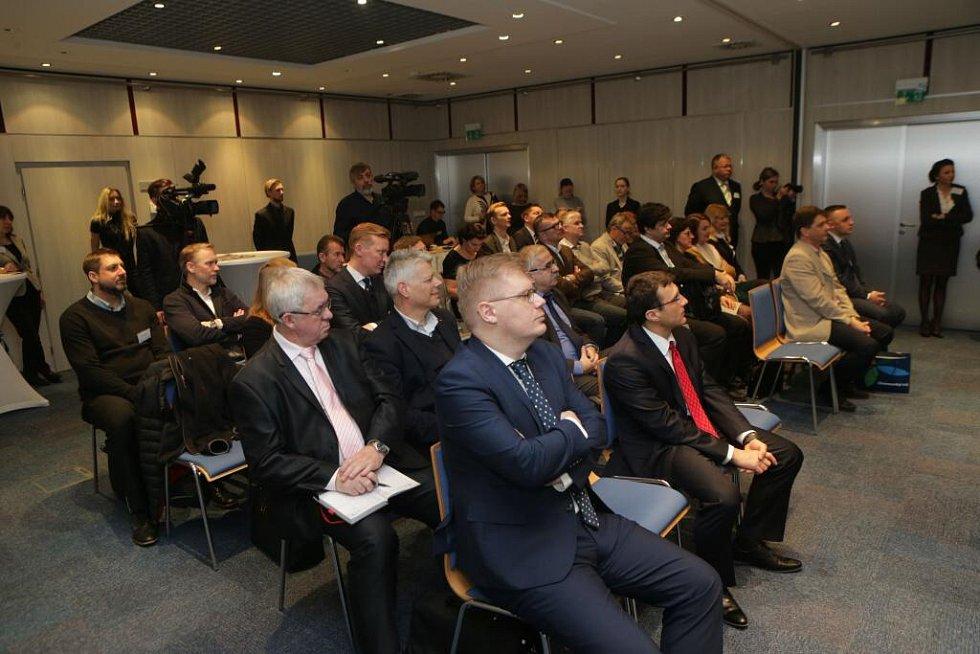 Diskusní setkání s hejtmanem Olomouckého kraje Oto Koštou v olomouckém Clarion Congress hotelu