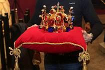 Ve Vlastivědném muzeu v Olomouci skončila úspěšná výstava korunovačních klenotů s expozicí o Karlu IV.