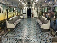 Česko doporučená destinace měsíce března – poznejte Moravu je název kampaně, kterou agentura CzechTourismu pořádá v Jižní Koreji. Její součástí je i reklama ve vozech metra, cestující zve i na návštěvu Olomouce