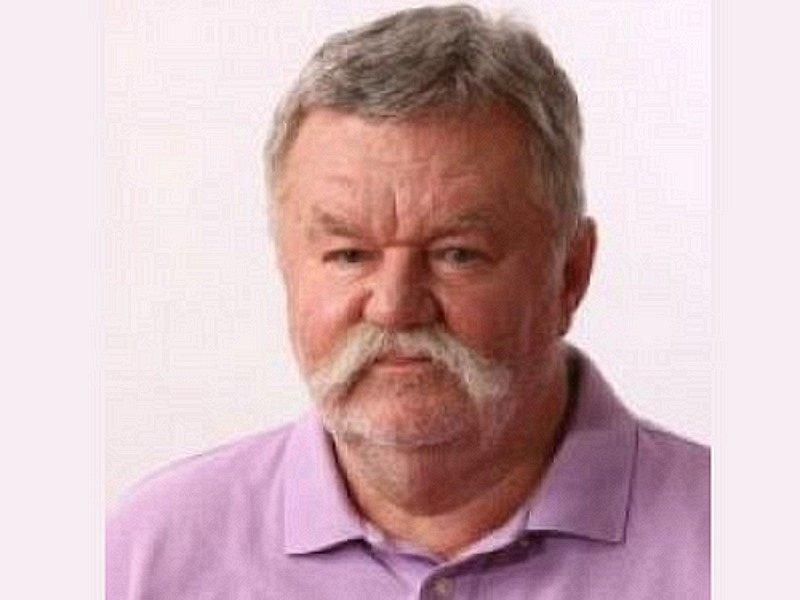 Koruna Česká: Miloš Holzer
