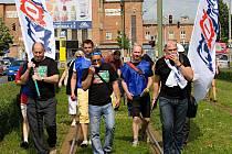 Odboráři z různých koutů regionu při protestním pochodu Olomoucí