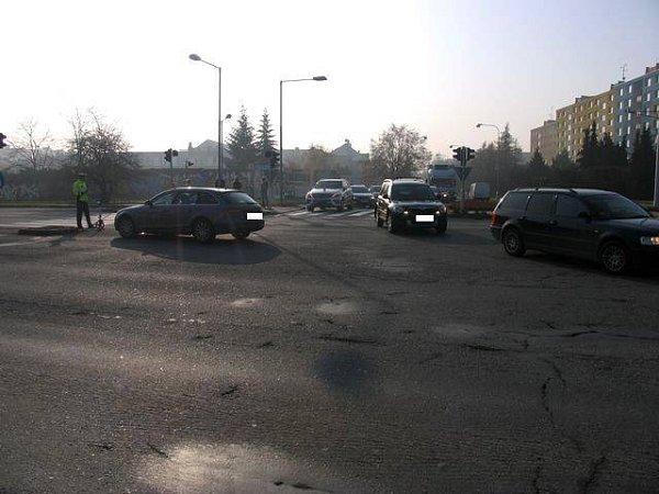 Nehoda na křižovatce Velkomoravské a Schweitzerovy 20.11.2011