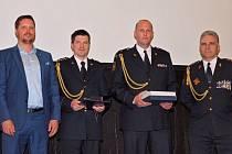Olomoucký kraj ve středu uspěl v anketě Hasič roku. Ocenění hasiči získali za zásah při požáru tří hal s textilem v Olomouci-Bělidlech v červnu 2016.