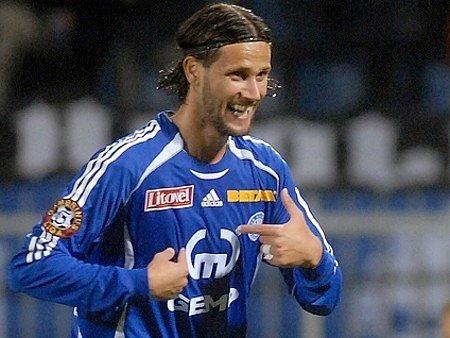 Brazilský útočník Melinho.