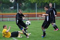 Fotbalisté Nových Sadů (ve žlutém) porazili Kozlovice 3:1.