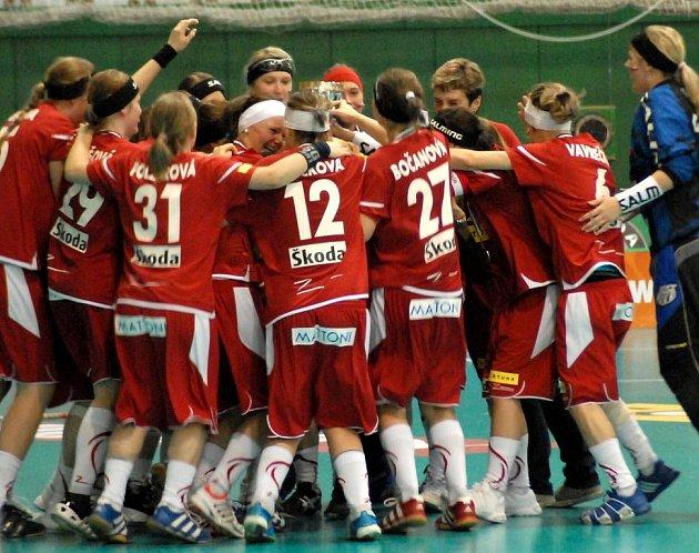 České juniorské florbalistky vybojovali na mistrovství světa v Olomouci bronzové medaile.