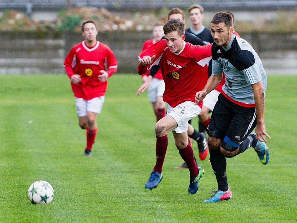 Fotbalisté Medlova (v červené). Ilustrační foto