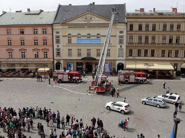 Cvíčení HZS Olomouckého kraje – požár v Moravském divadle Olomouc