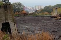 Lidé na jižním okraji Olomouce si stěžují na zápach z hnojení čistírenskými kaly.
