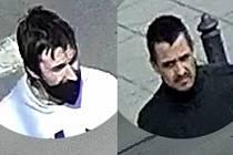 Policie pátrá po těchto mužích kvůli okradení ženy na ulici v Uničově