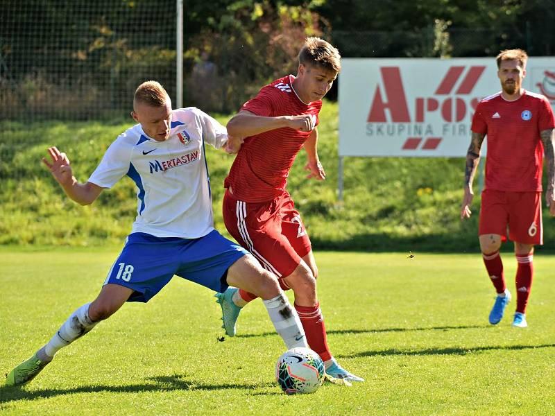 Sigma Olomouc B (v červeném) proti Blansku. Tomáš Zlatohlávek