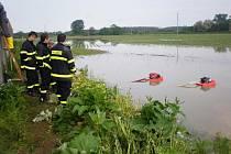Dobrovolní hasiči z Grygova pomáhali v zaplavených Troubkách