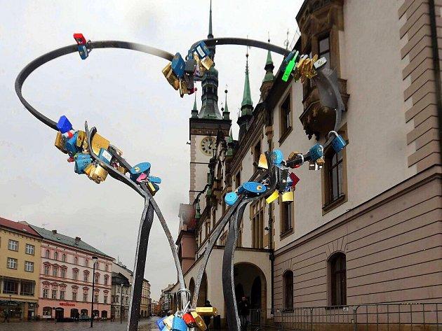 Valentýnské srdce z dílny Milana Poliána na olomouckém Horním náměstí