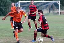 Fotbalisté Medlova (v oranžovém) proti Konici