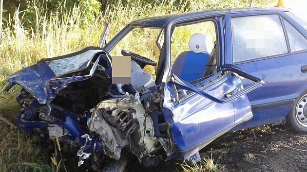 Tragická srážka dvou aut mezi Moravským Berounem a Horní Loděnicí