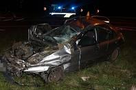 Následky noční nehody na rondelu u Globusu v Olomouci, 18. 9. 2019