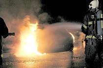 Požár volkswagenu v Kischově ulici