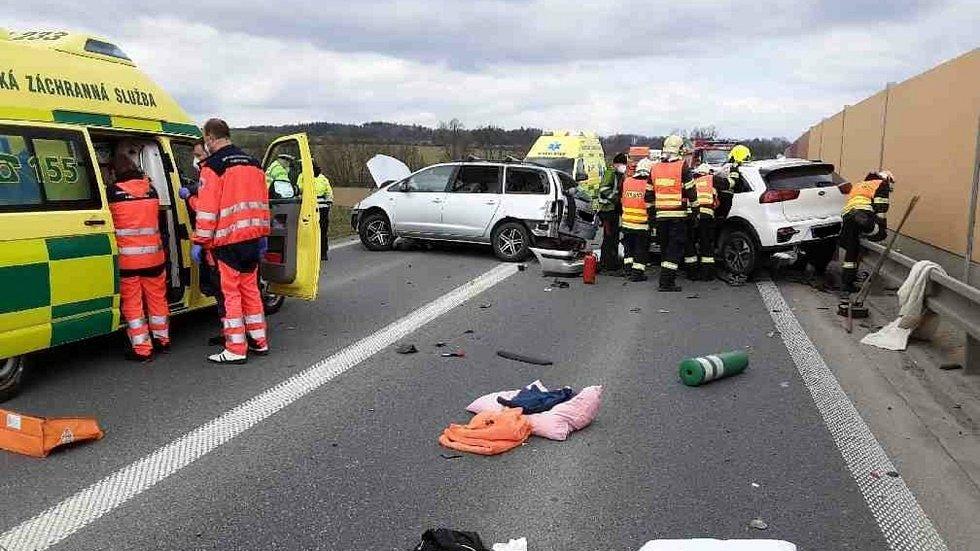 Nehoda na obchvatu Zvole v pátek 23. dubna 2021.