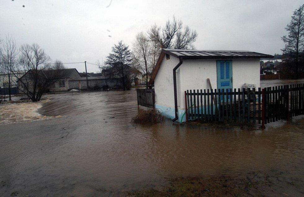Takhle to vypadalo ve středu 29. března 2006 v Lošticích