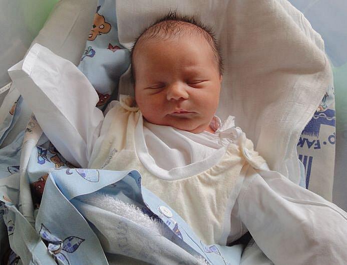 Lukáš Ligač, Kojetín, narozen 24. března v Olomouci, míra 51 cm, váha 3100 g.
