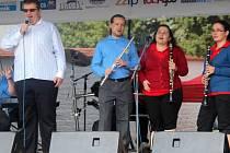 Skupina nevidomých muzikantů Kyklop. Handicap Rally na Korunní pevnůstce
