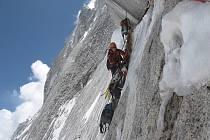 Švýcarský film Lightining Strike - Arwa Tower o putování dvou horolezeckých týmů