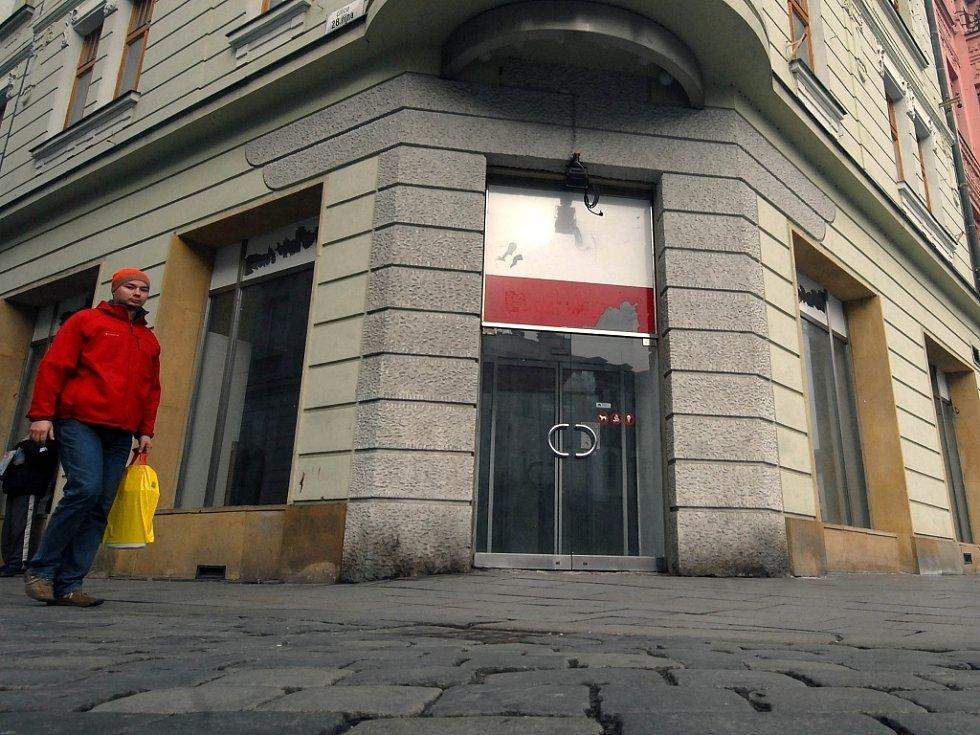 Obchod s velmi levným zbožím konečně zmizel z centra Olomouce.