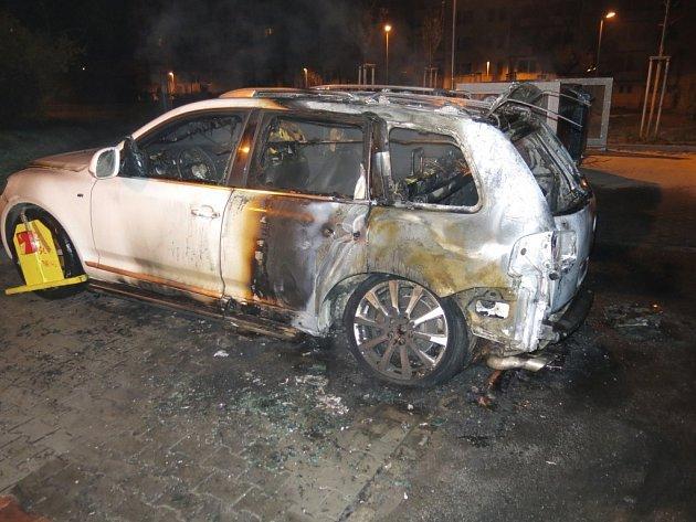 Požár auta v Kischově ulici v Olomouci
