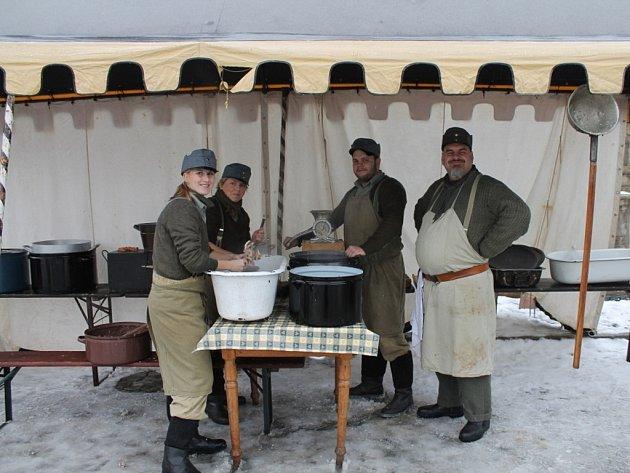 V sobotu 15. prosince se v Uničově na Masarykově náměstí konal vánoční lidový jarmark.