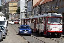 Obtížná dopravní situace v ulici Sokolská