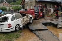 Břevenec, místní část Šumvaldu, po bleskové povodni. 8.6.2020 odpoledne