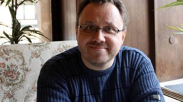 Autor předlohy Případu pro exorcistu Michal Sýkora. Olomoucký pedagog, literární vědec a spisovatel