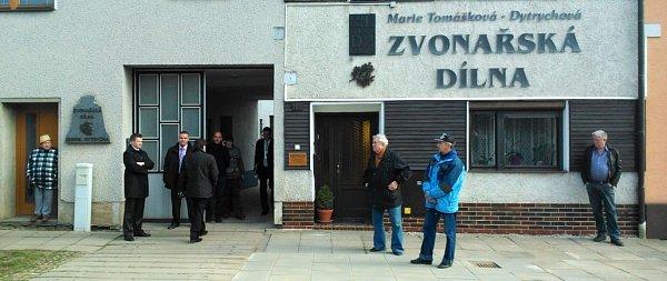 Prezidentská návštěva ve zvonařské dílně vBrodku uPřerova