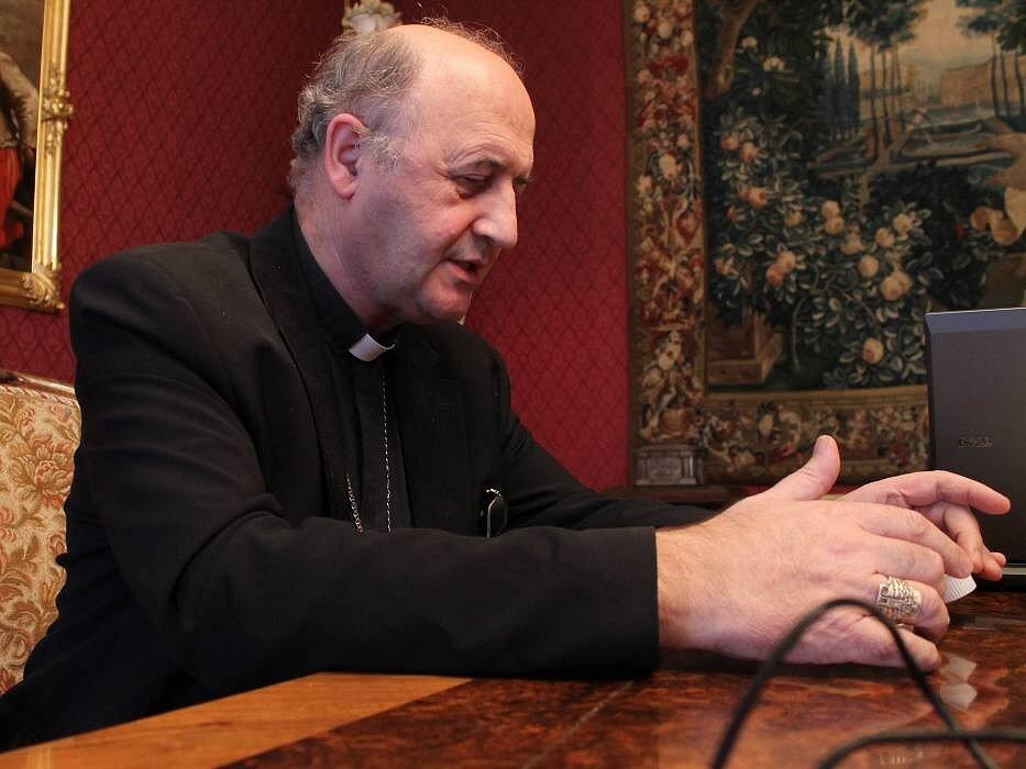 Olomoucký arcibiskup Jan Graubner při on-line rozhovoru pro Olomoucký deník