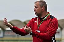 Trenér Jaromír Lukášek.