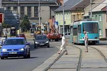 Ve frekventované Hodolanské ulici v Olomouci zrušili přechody pro chodce