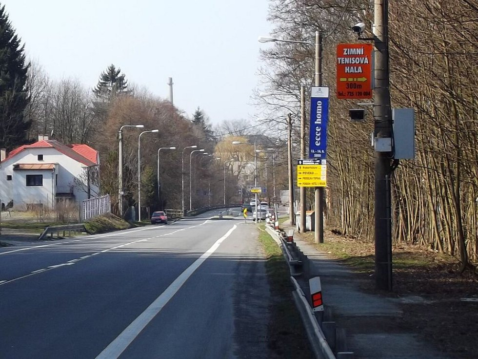 Stacionární radar v Jívavské ulici ve Šternberku