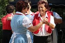 Setkání seniorských tanečních souborů ve Velkém Týnci